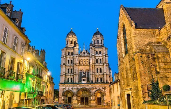 Don't miss a visit to Eglise Saint-Michel de Dijon while exploring the city.
