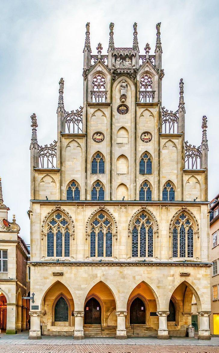 Munster's iconic Rathaus, or City Hall, is a must-see attraction in Munster for architecture and history fans.