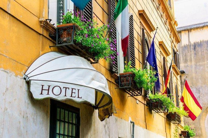 Check out some of the best hotels in Siena Italy below