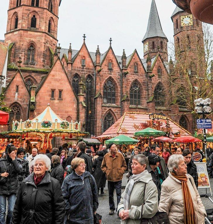 Kaiserslautern has one of the best Christmas Markets near Ramstein Germany