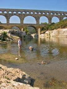 Caesar drinking Pont du Gard.
